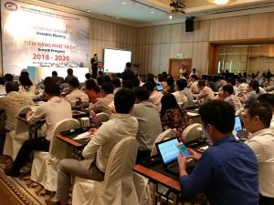 Chủ tịch Lê Vũ Hoàng đọc diễn văn khai mạc hội nghị